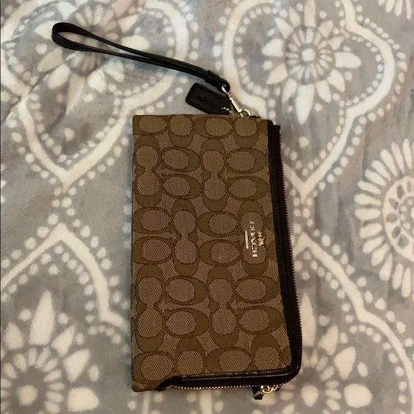 Coach Handbags - Coach clutch wallet